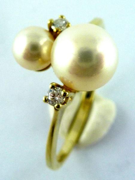 Ring in Gelbgold 14Kt, 585/- mit 2 feins...