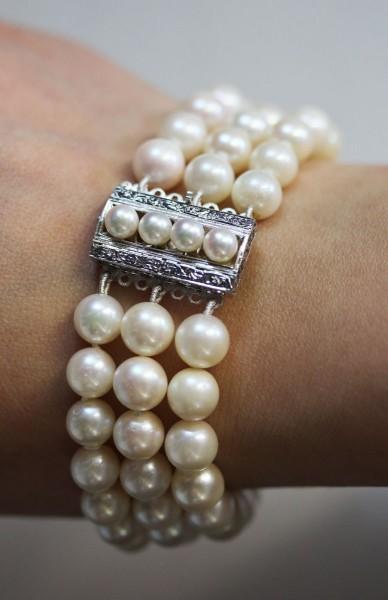 Perlenarmband japanische Akoyazuchtperlen Weissgold 750 Schliesse ganz runde Perlen