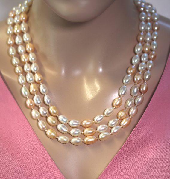 3-reihige Antike Perlenkette Japanische  Biwaperlen Weiß Pfirsichfarben Metall goldfarben