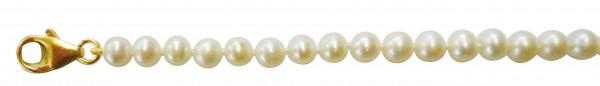 Perlenkette GG 333/-. Bezauberndes Perlencollier 45 cm lang mit superfeinen, nicht ganz runden, fast makellosen echten, schön glänzenden Süßwasserzuchtperlen5,3-6,5 mm und leicht roséfarbenen Luster. Hochwertiger Verschluss in feinem Gelbgold 333/-. Sehr